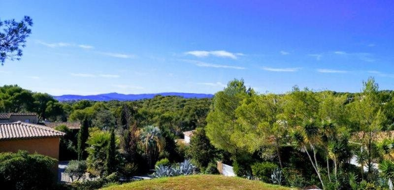 PROJET DE VILLA CONTEMPORAINE GRAND TERRAIN A SAINT RAPHAEL BOULOURIS