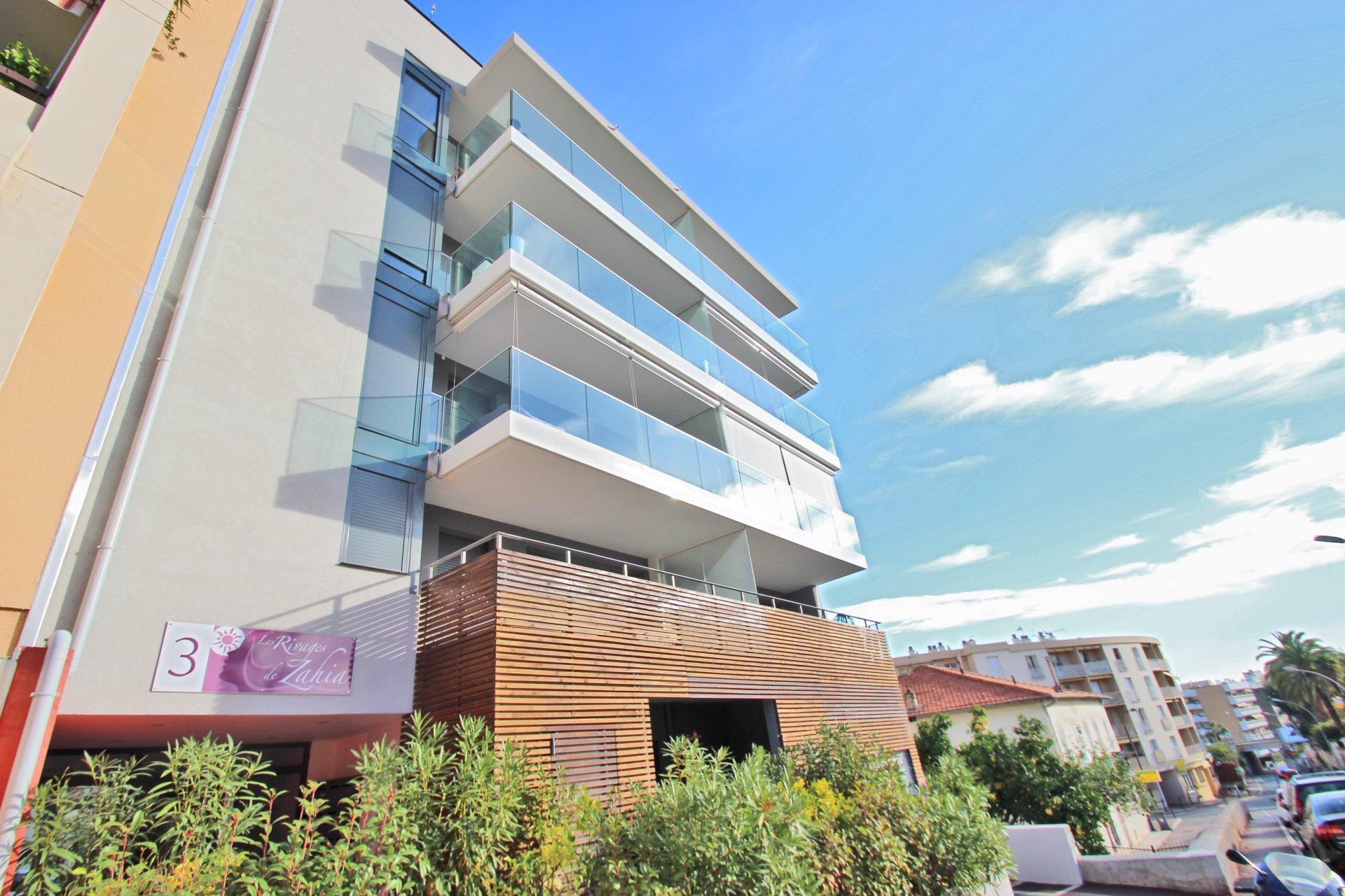 ROQUEBRUNE CAP MARTIN | FLAT 68m² | 2 Bedrooms | Terrace