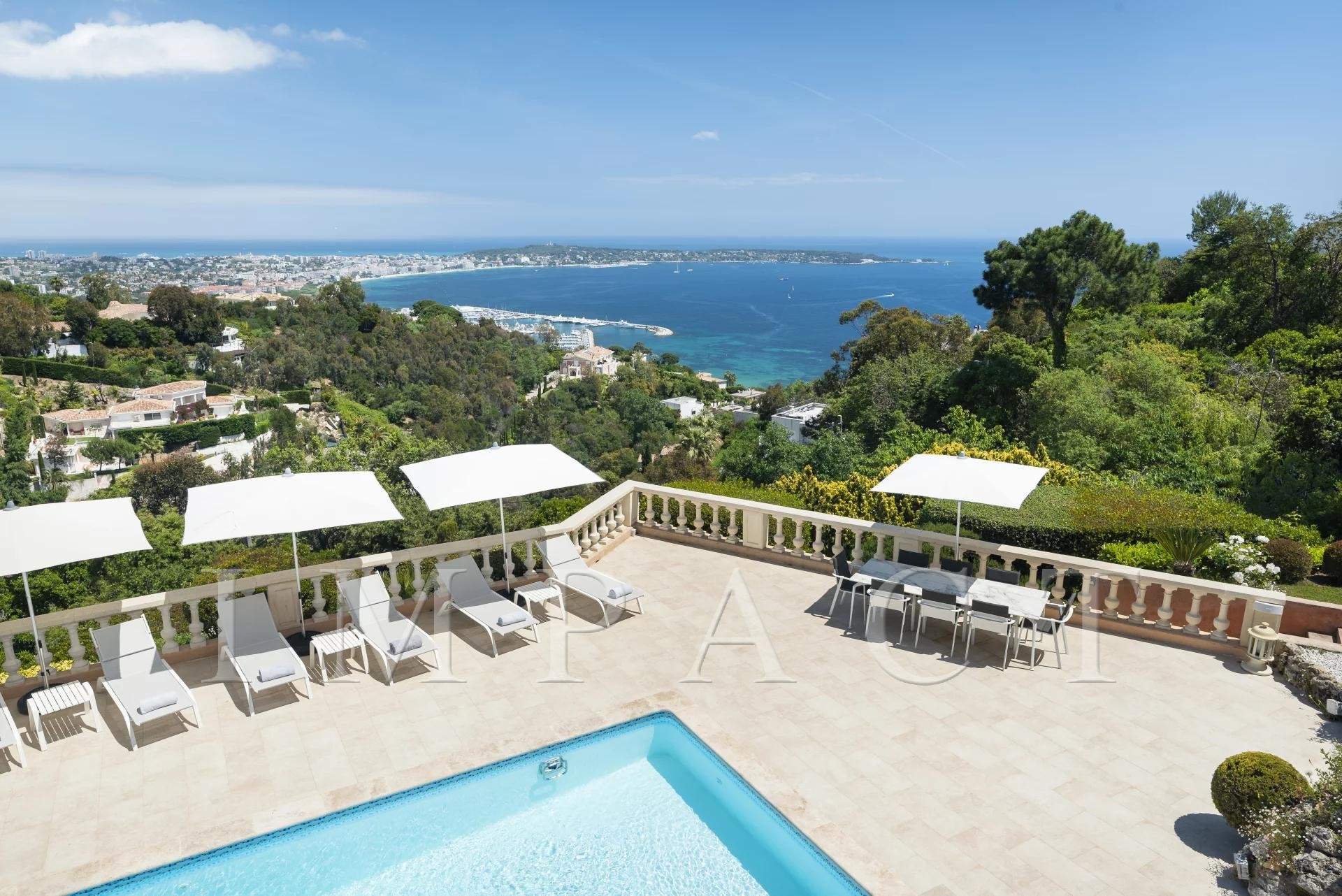 Panoramic sea view villa for rent, near Cannes Center