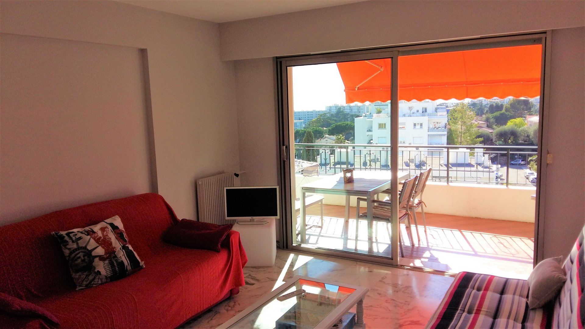 Furnished 1-bed apartment - Nice West