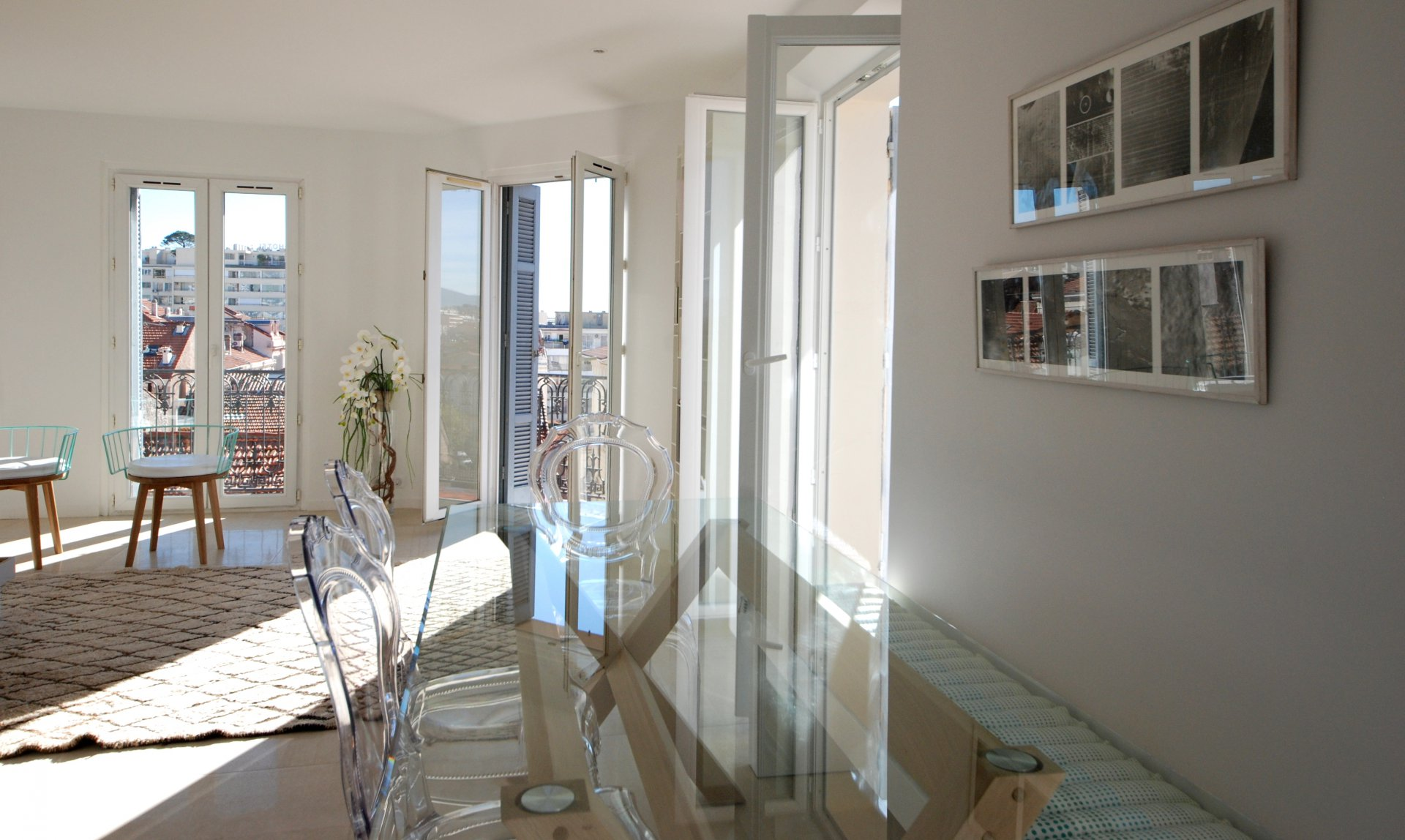 Congress rental 2 bedroom centre of Cannes. Ideal location