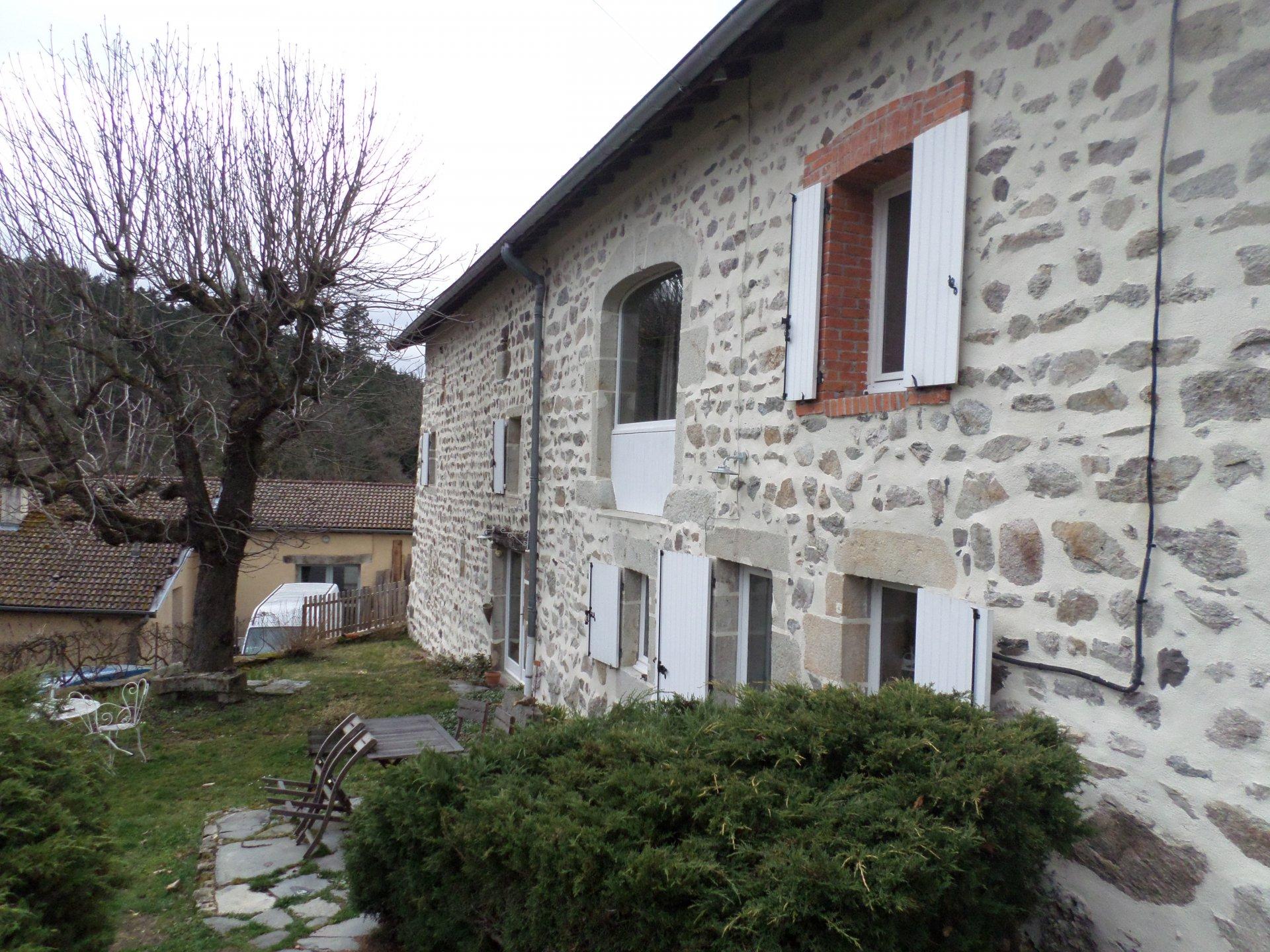 Sale Farm - Beaulieu Sur Loire