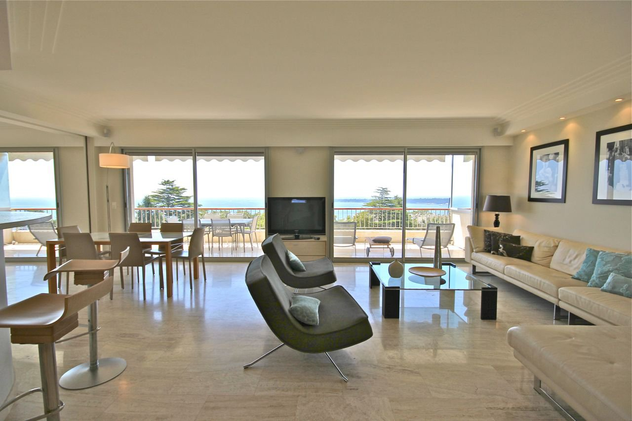 Contemporary Apartment Cannes