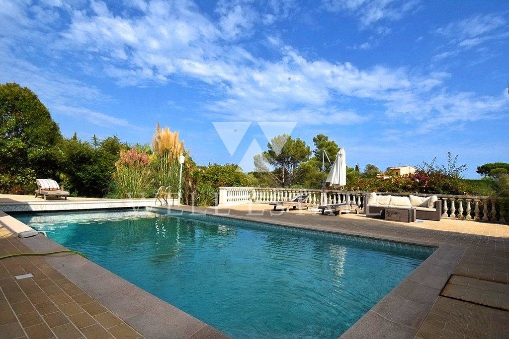 SUPER CANNES VILLA 223M2 SUR 2000M2 PISCINE POOL HOUSE VUE MER