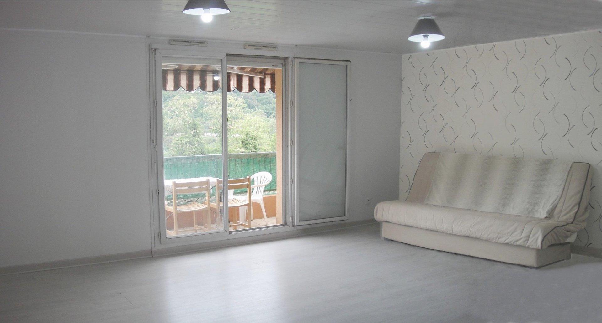 SOUS COMPROMIS - DRAP 5 pièces dernier étage, terrasse, parking et cave