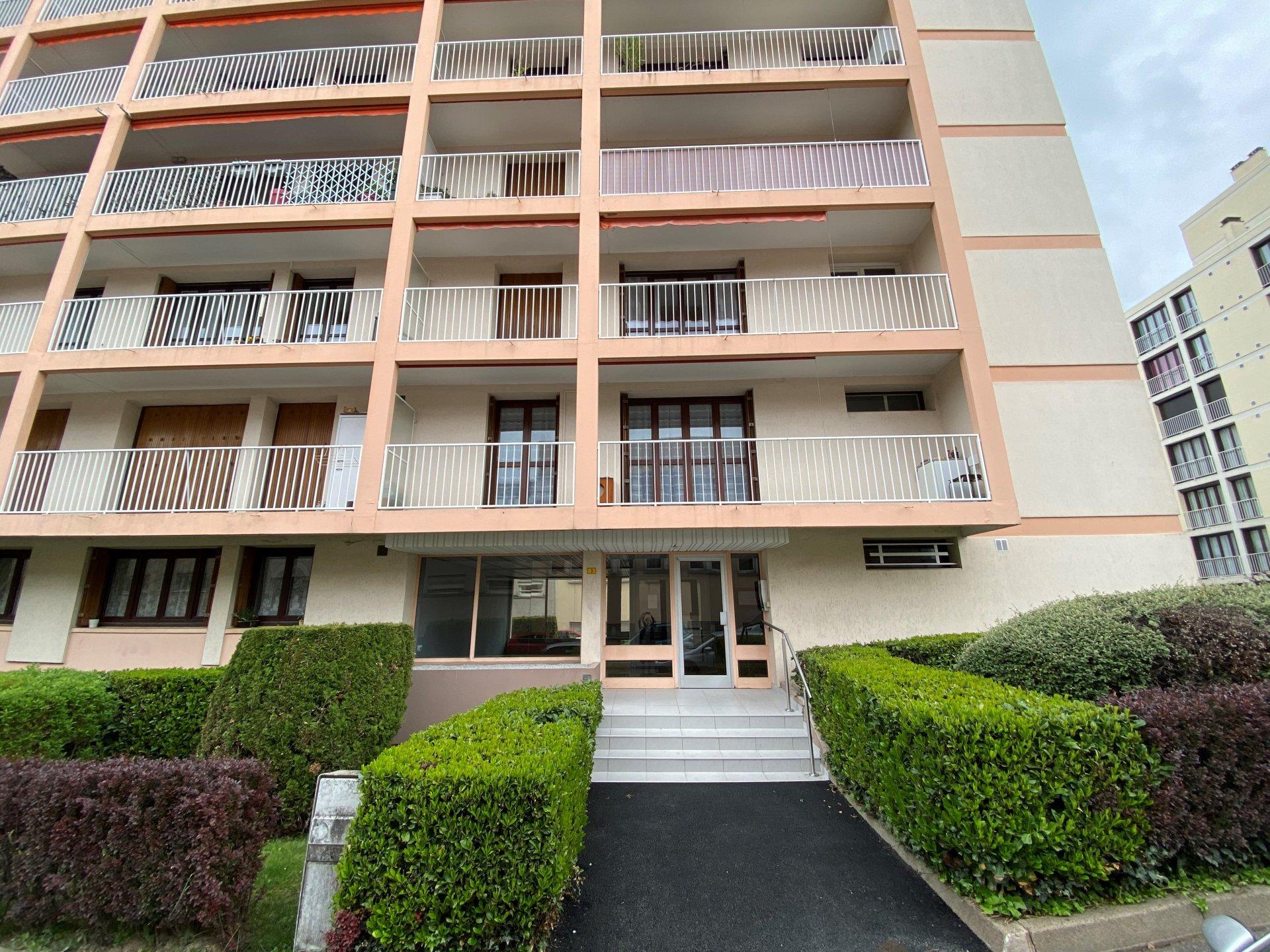 SAINT-ETIENNE - Appartement T2 refait à neuf