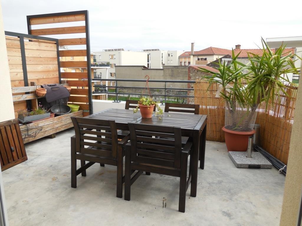 SAINT-PRIEST-EN-JAREZ-  Appartement T3 avec terrasse