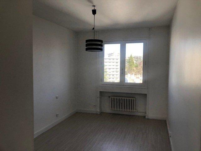 SAINT-ETIENNE - Appartement  T3 avec balcon