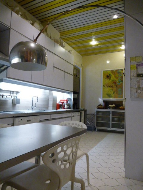 CHAILLOT AREA-FAMILY APARTMENT