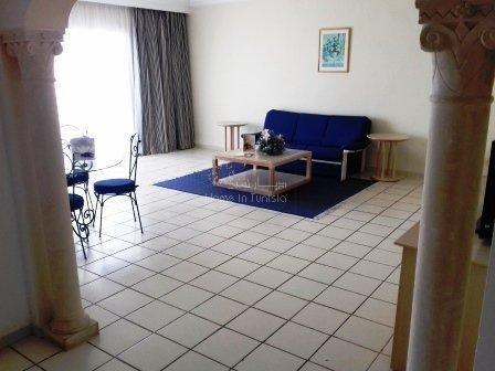 Grand appartement 1 chambre au 1er étage meublé équipé 2eme chambre possible