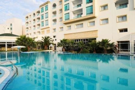 Apartment S3 on the 2nd floor of a luxurious residence by the sea. Financing possible