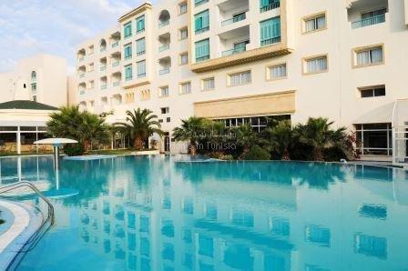 Appartement S+3 vue mer au 2e étage d'une luxueuse résidence en bordure de mer. Financement possible