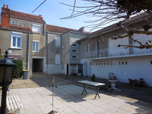 Sale Building - Saint-Vallier