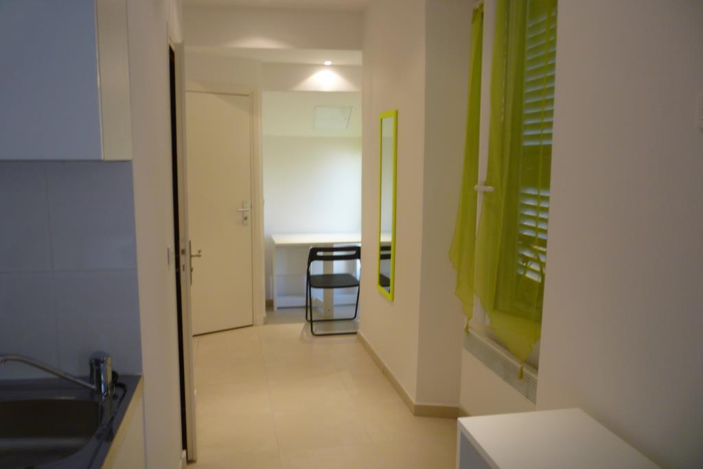 Location Nice, Studio meublé 18.40m² situé secteur République