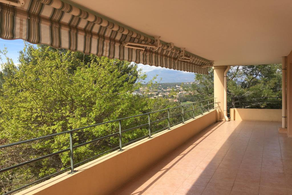 Rent flat of 4 rooms 107.1 m pièces ² at Biot area Templiers