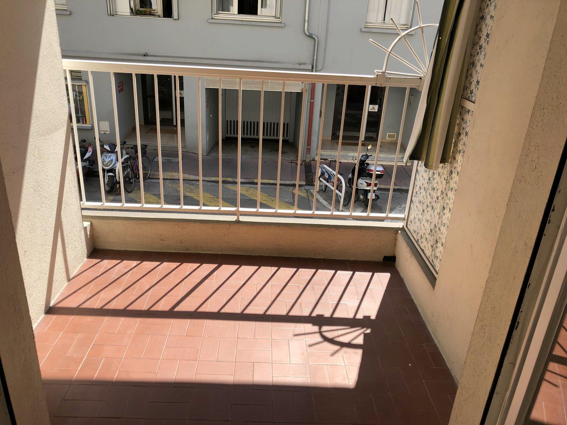 location Nice, 2 pièces 47.89m² situé quartier Port