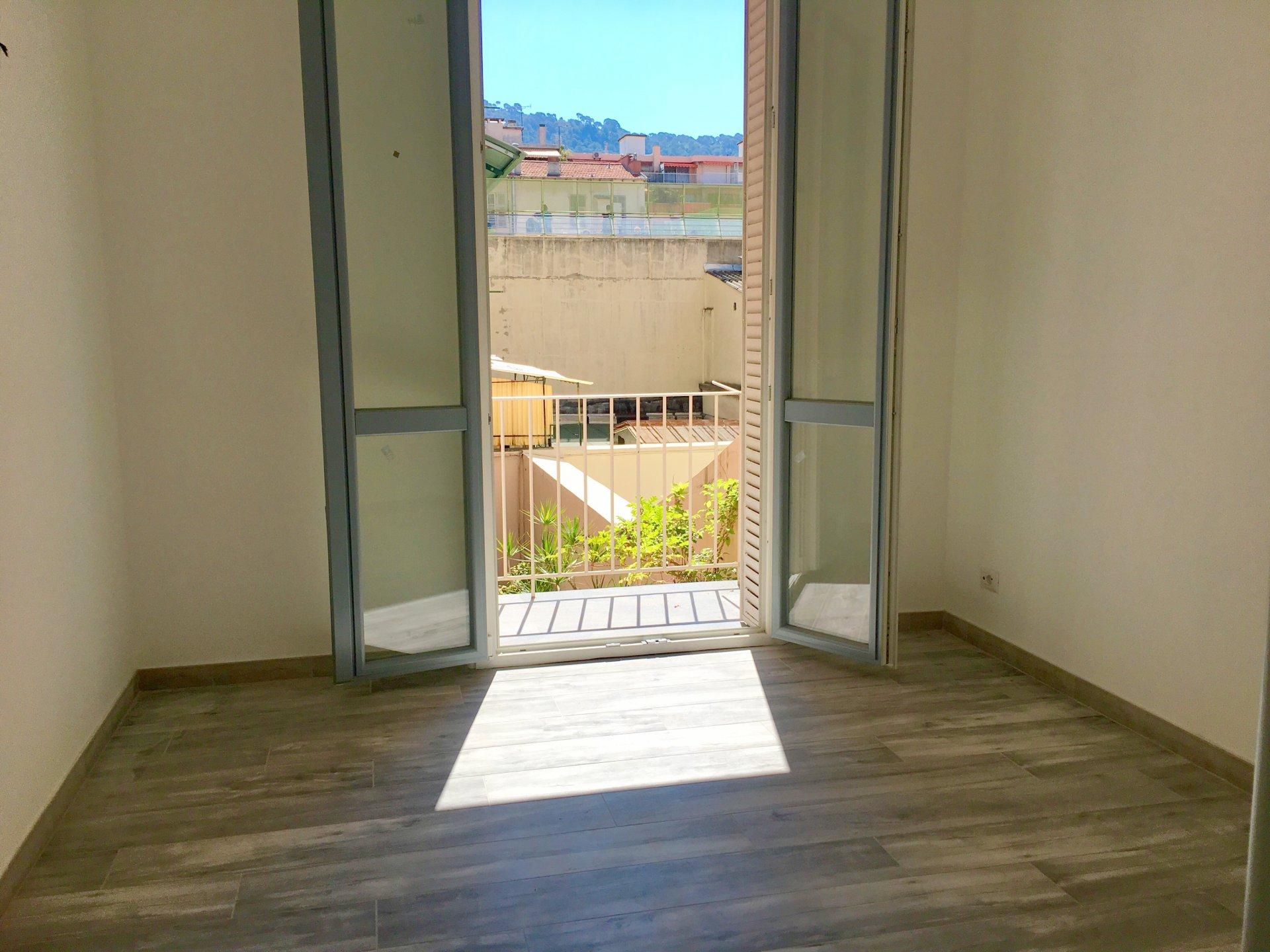 Location appartement 2 pièces 37.34 m² situé à Nice quartier Port