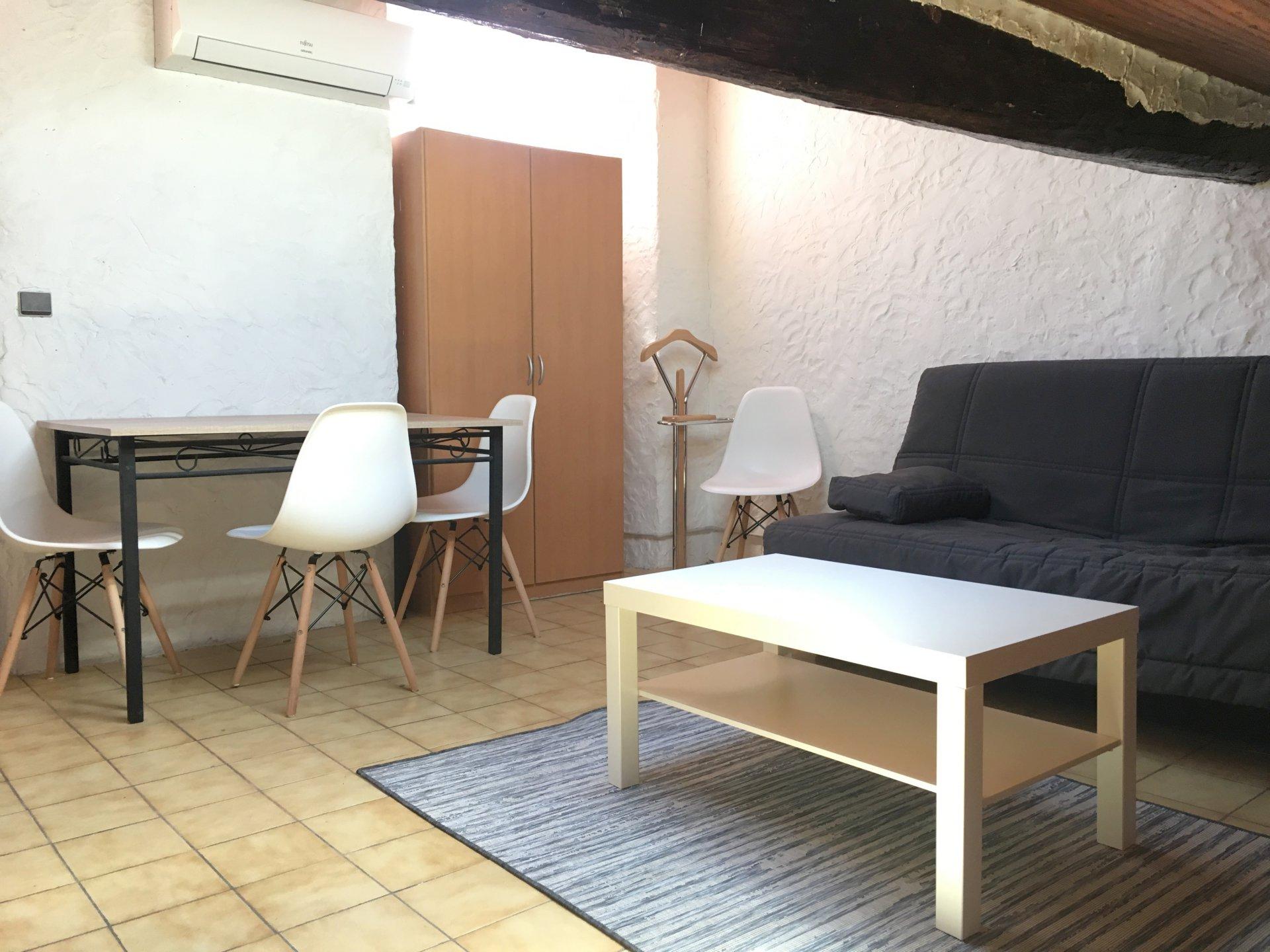 Location Nice, studio meublé situé dans le Vieux Nice