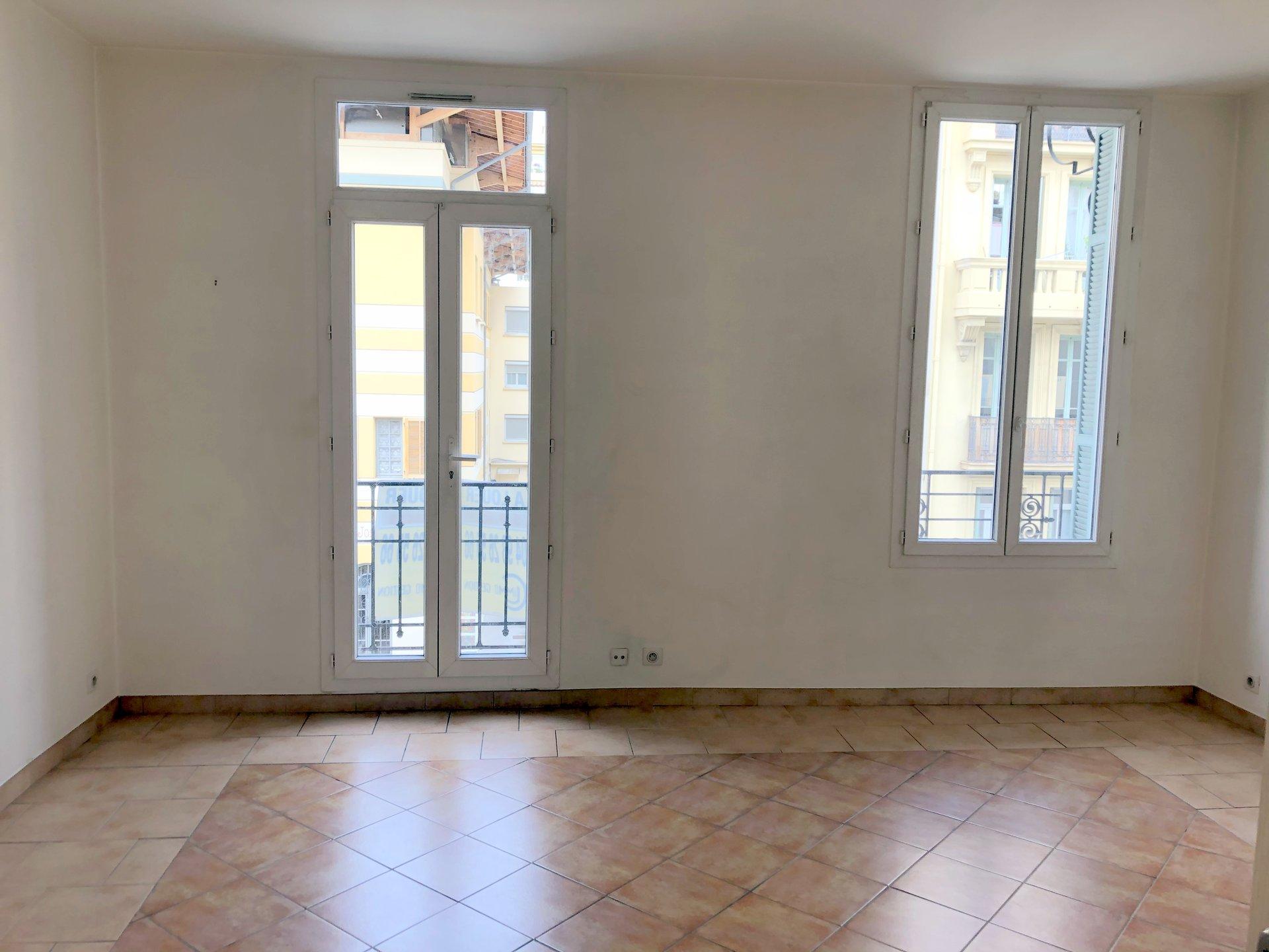 location Nice 3 pièces 62.50m² situé quartier Tnl