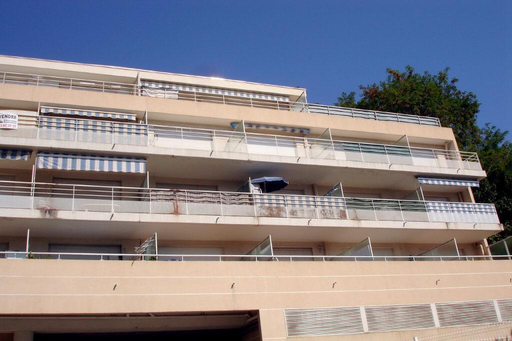 Location Nice, studio meublé 24.19m² avec parking situé bas Saint Marguerite