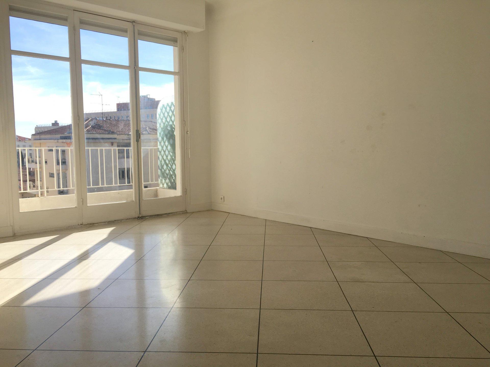 Location Nice, 2 pièces 49.29m² situé quartier Valrose
