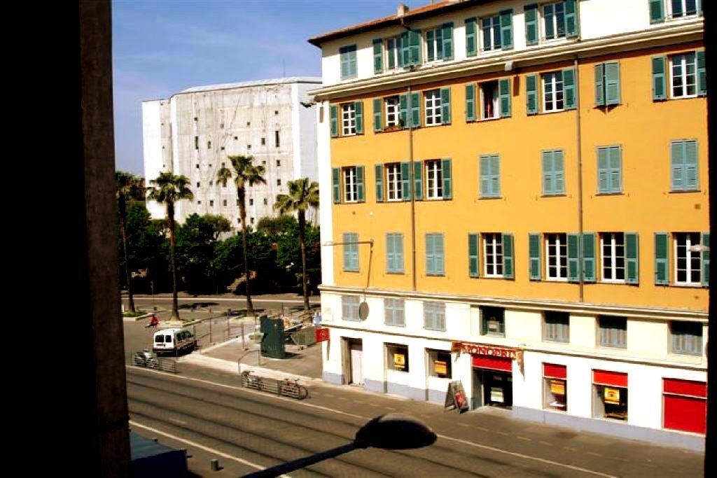 location Nice, studio meublé de 21.41m² situé Place Garibaldi