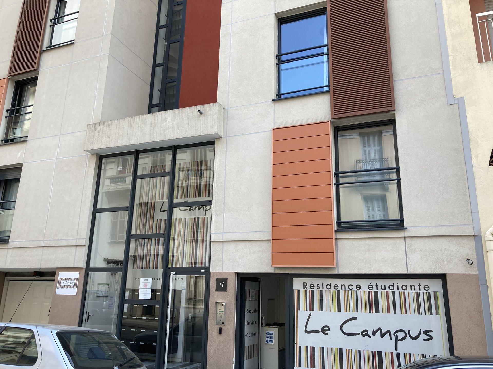 Location studio meublé 22.80 m² + terrasse situé à Nice quartier Saint Jean d'Angely