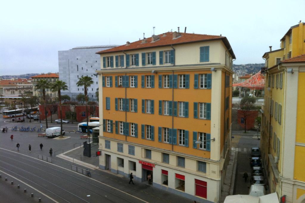 location Nice studio meublé de 25.42m² situé place Garibaldi