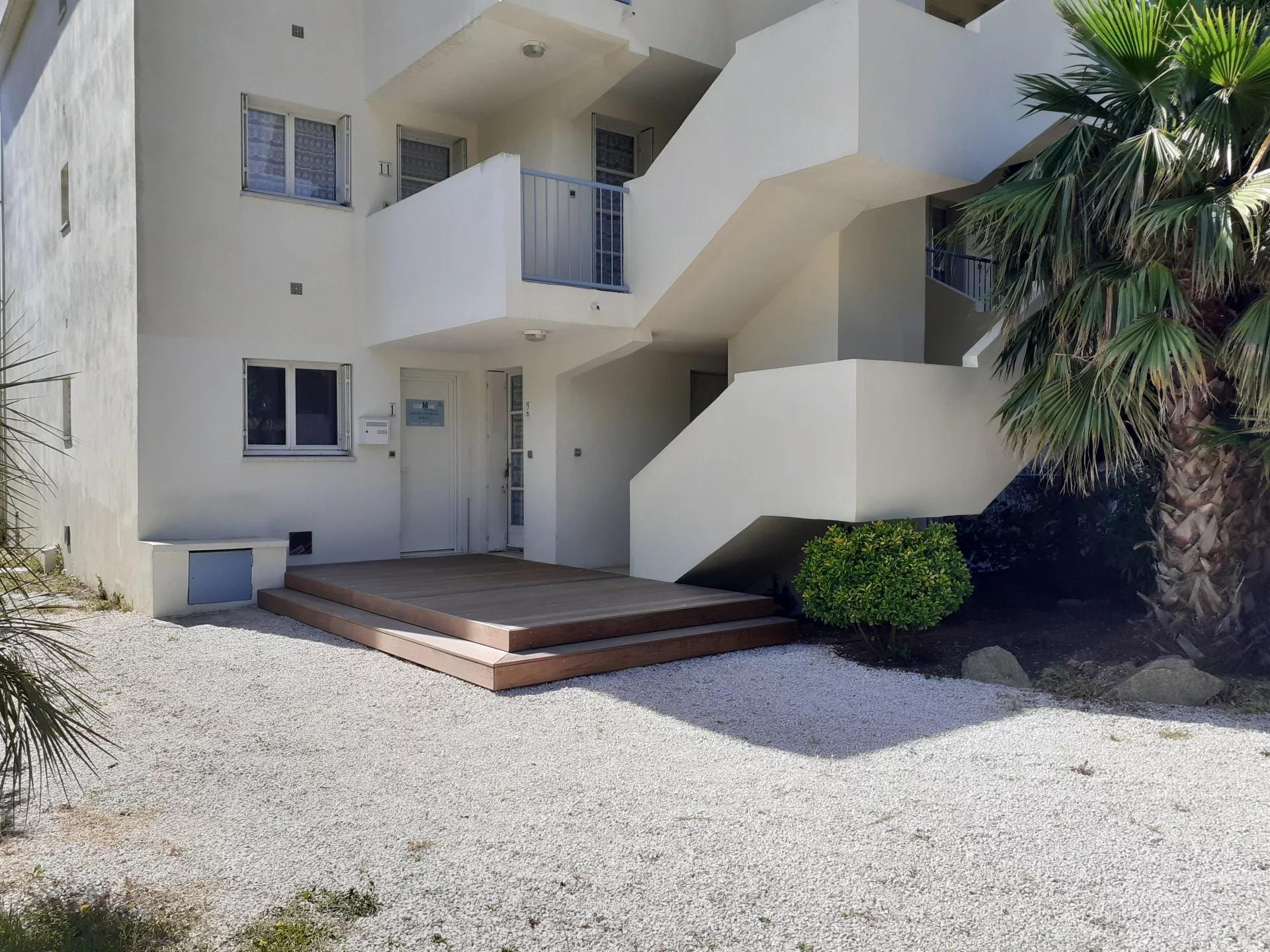 Seasonal rental Apartment - Le Lavandou