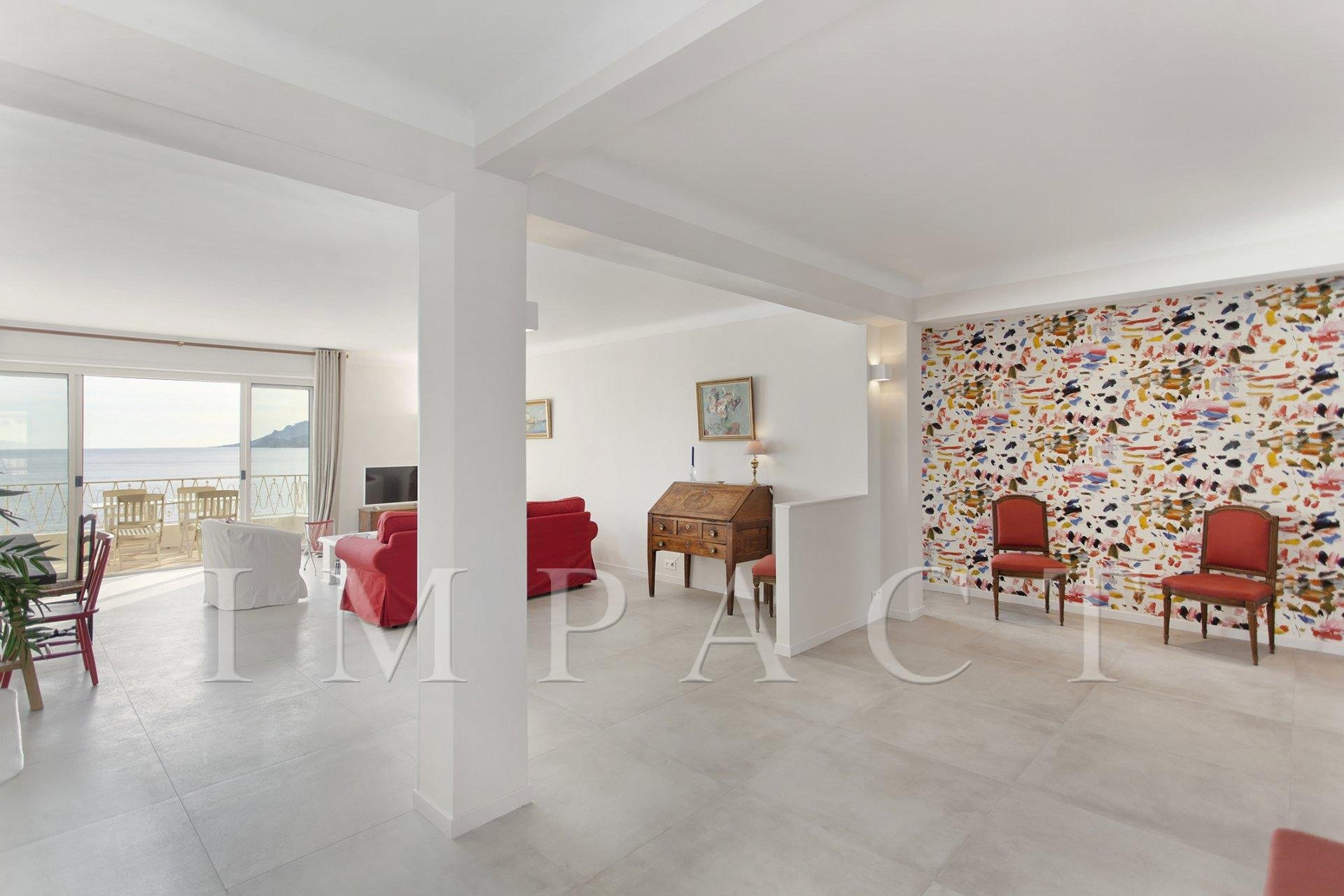 3 bedrooms apartment to rent in Cannes.
