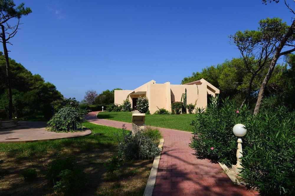 Furnished studio of 49m2 located in front of sea of a very nice residence with garden swimming pool terrace