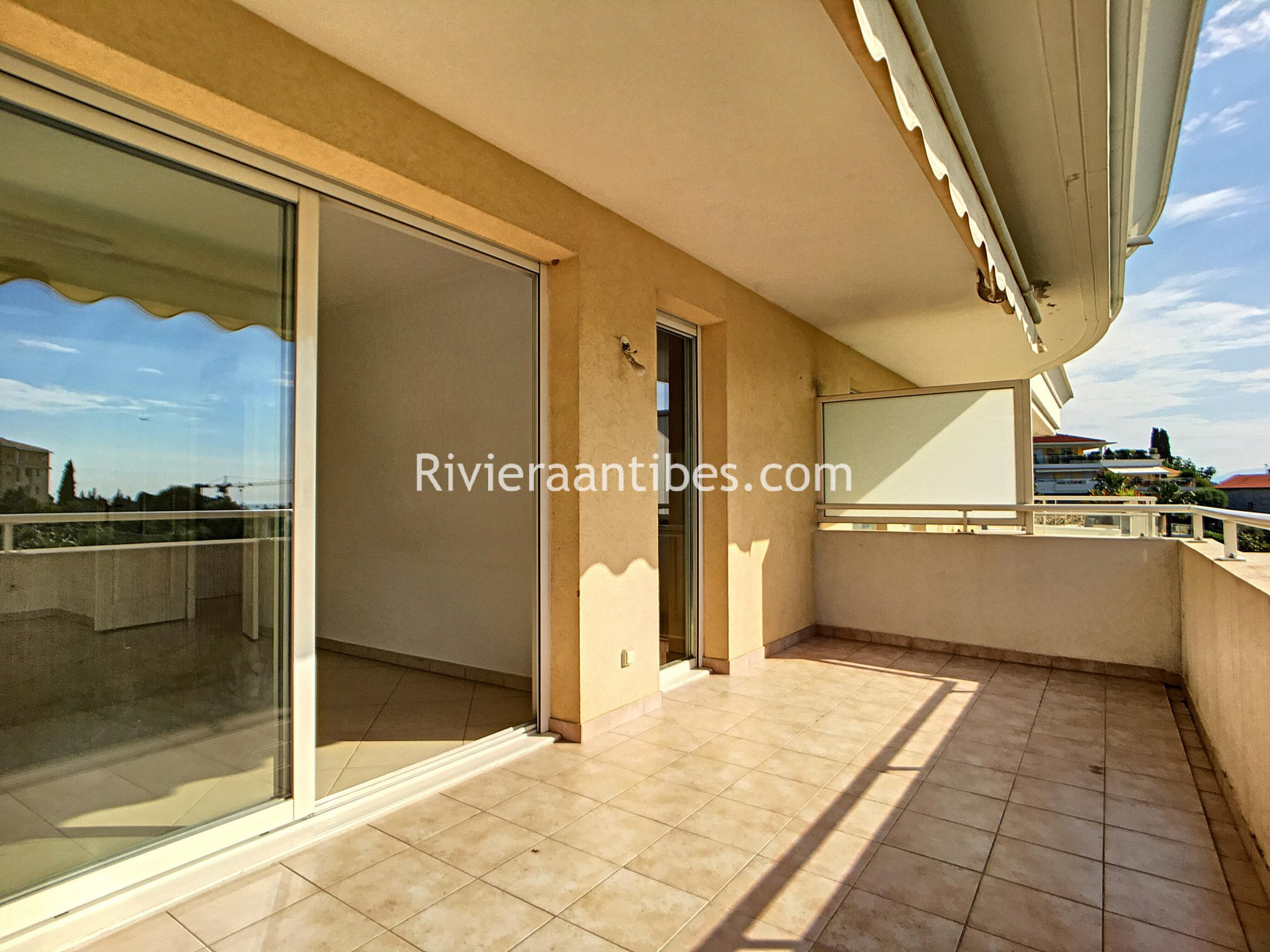 VENTE APPARTEMENT 2 PIECES ANTIBES APERCU MER