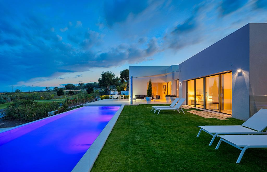 Luxury Villas in Golf and Sea Views