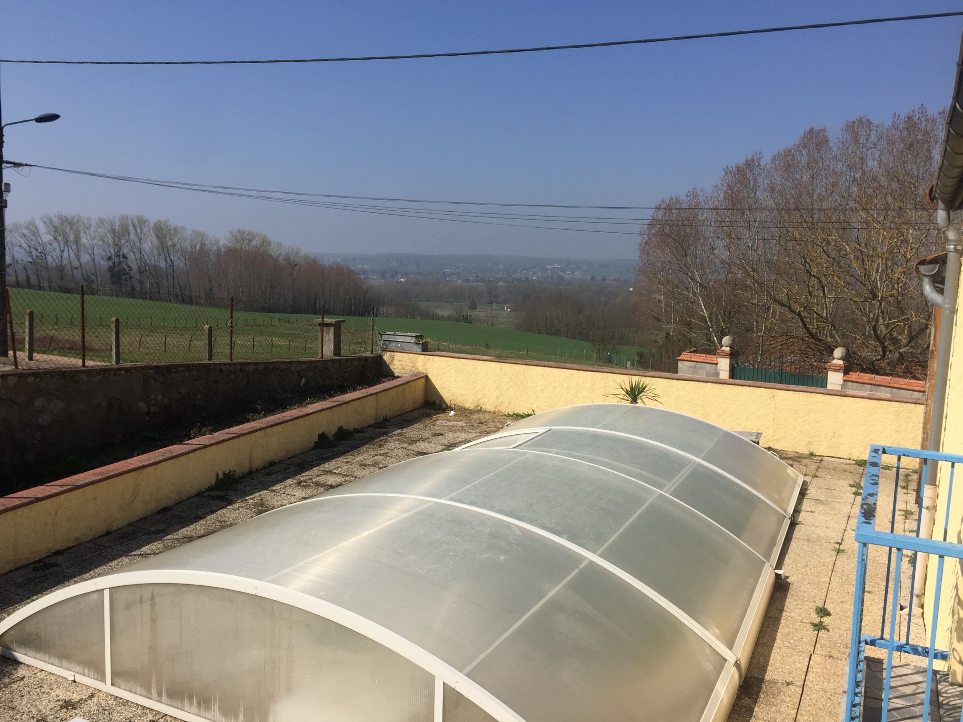 10mn Vichy Nord - Maison piscine terrain clos