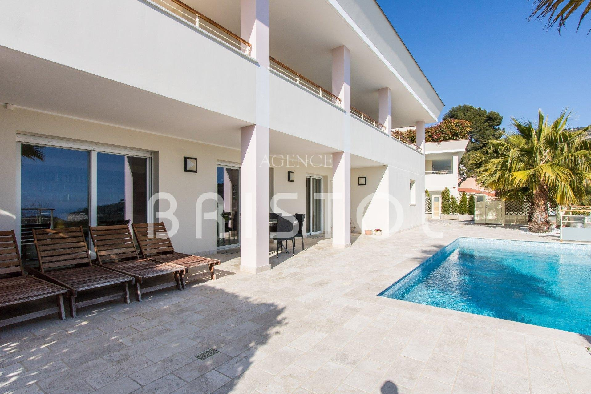 Eze - superb contemporary villa close to Monaco with swimming-pool and sea view