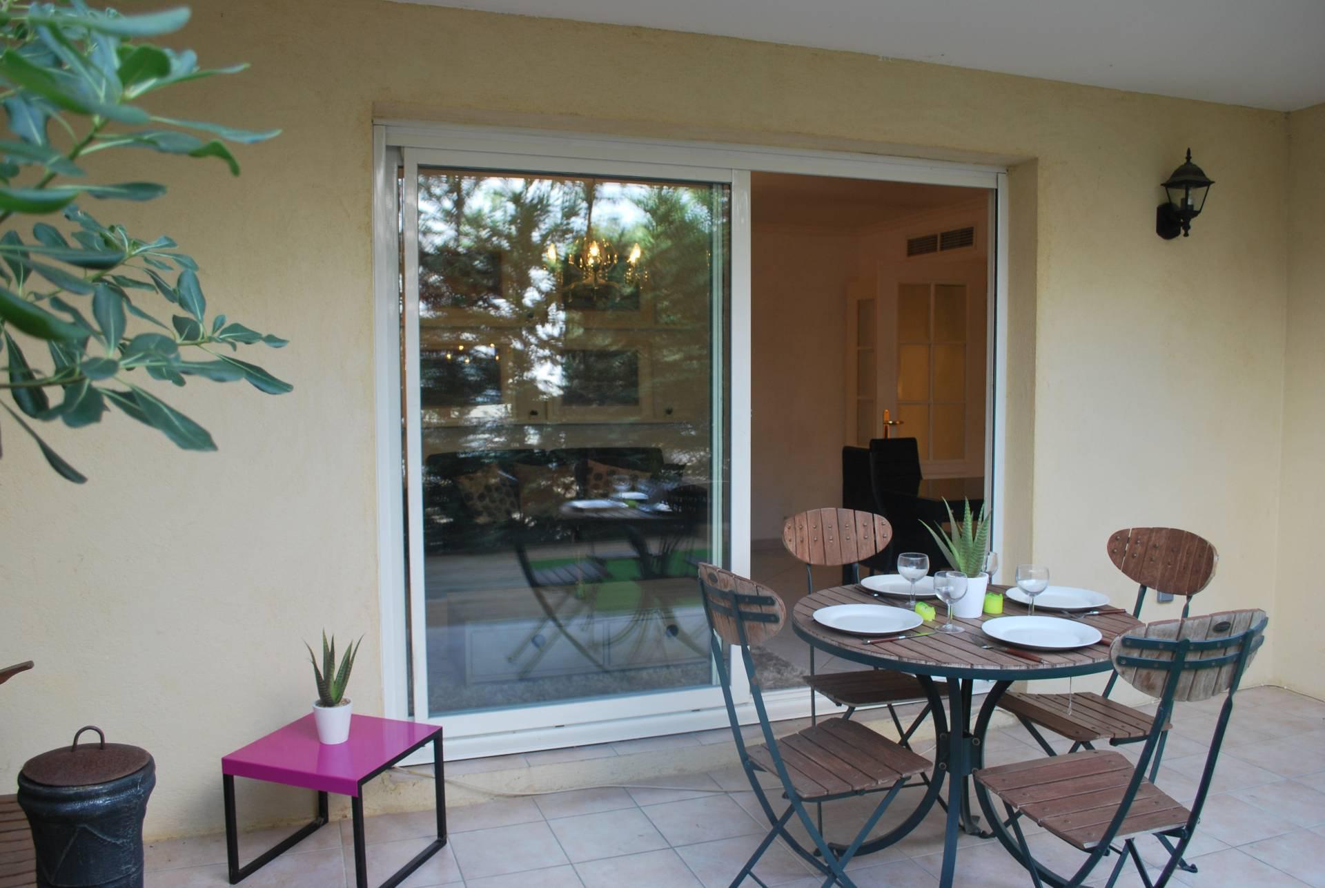 Valbonne : Super 1 bed garden apartment a few minutes walk to Valbonne village