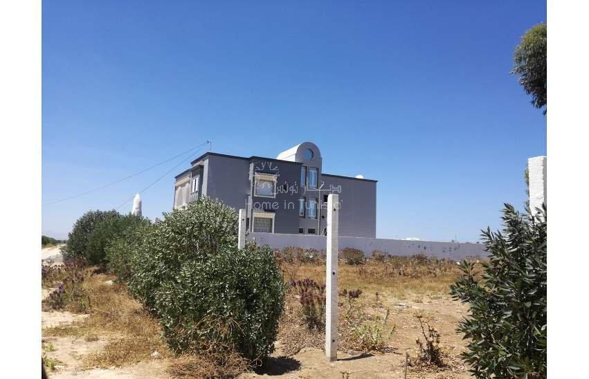 terrain loti de 2381 m²