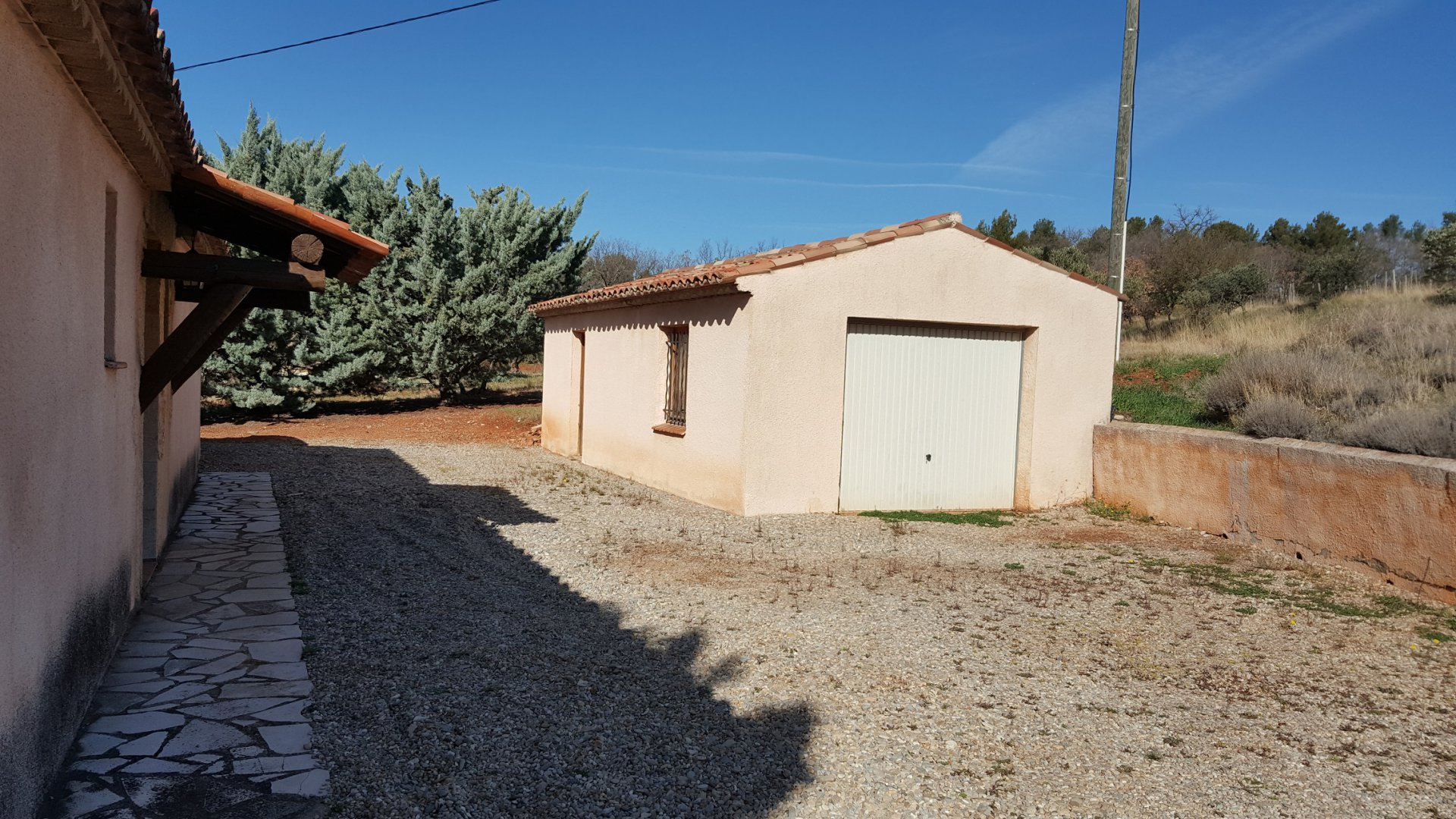 Nice house in Aups 72.76 m² + pool on 2900 m² of land