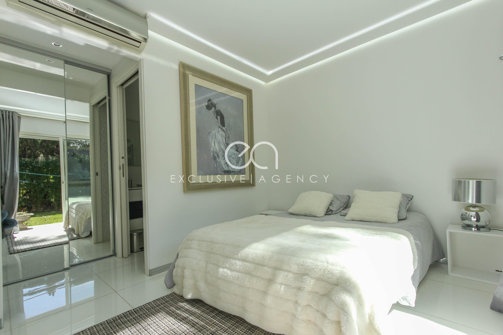 SEASONNAL RENTAL Cannes Montfleury 210sqm villa with pool for 4 to 8 people