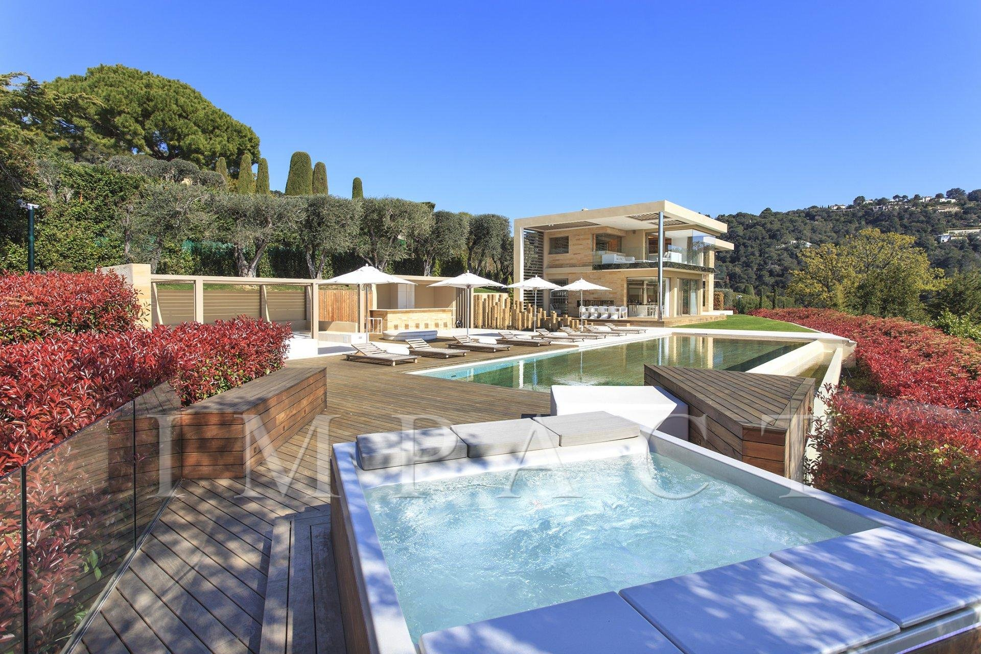 """Beautiful conptemporary villa to rent in Cannes, """"Basse Californie"""" district"""