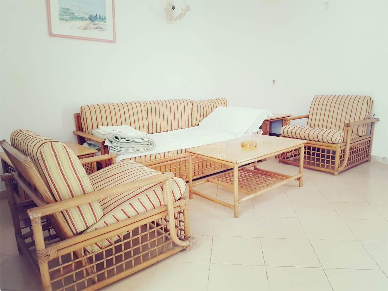 S + 1 of 78 m2 furnished furnished located in edge of sea of ​​a very nice residence with garden swimming pool terrace