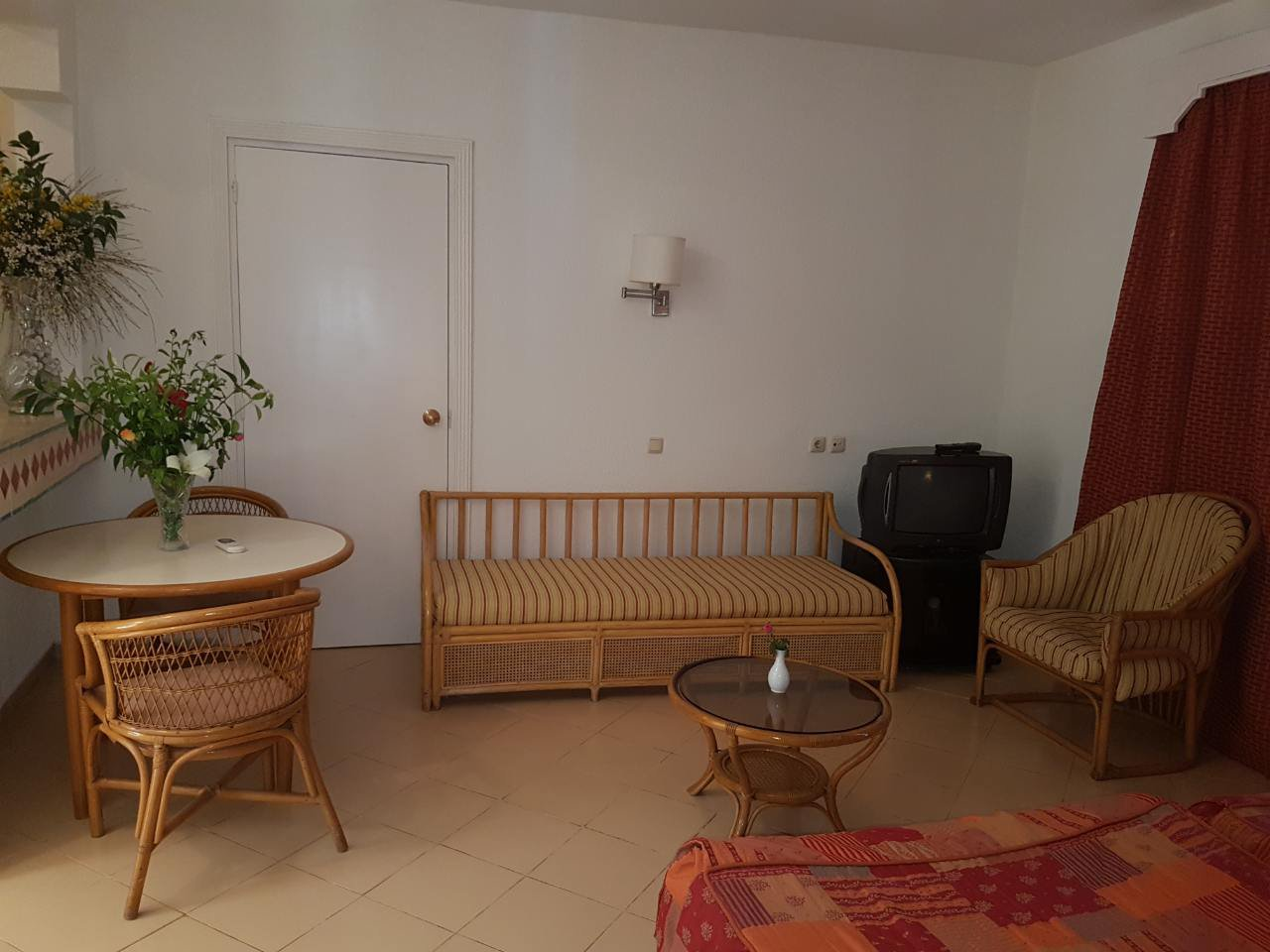 Studio 49 m2 furnished equipped located in front of sea of a very nice residence with garden swimming pool terrace