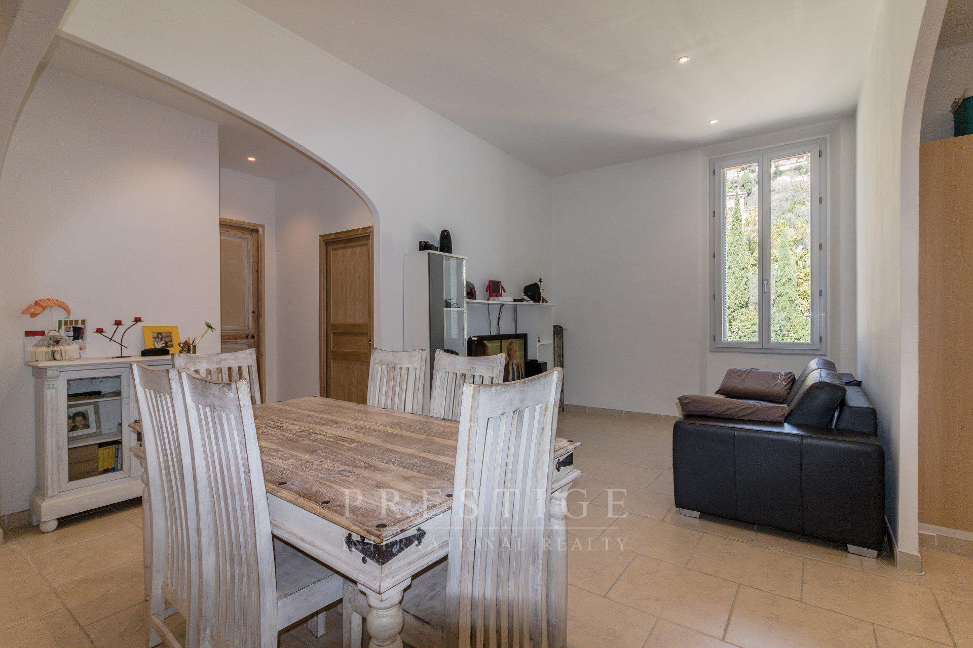 grasse, luxury flat 93sqm with cellar and park