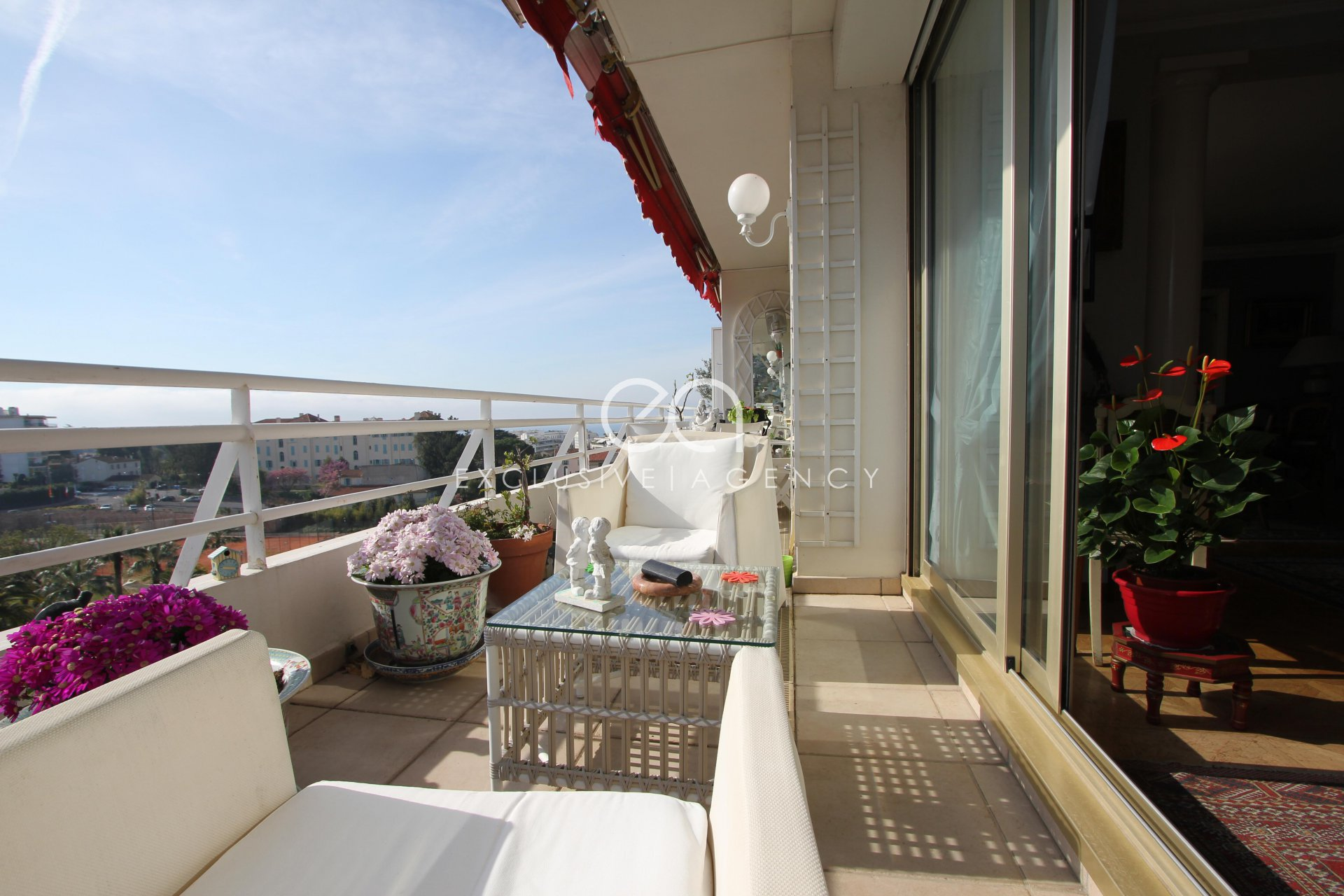 Cannes Montfleurry top floor 160m² 3-bedroom apartment with 37m² terrace