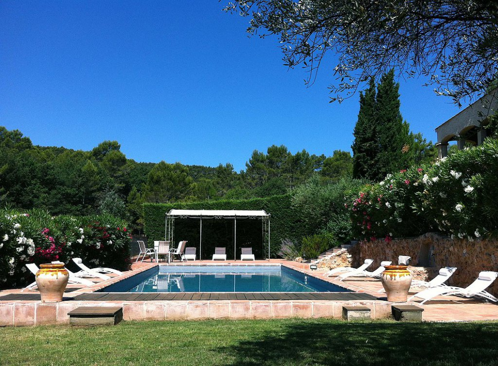 PROVENCAL BASTIDE 353m² + POOL + outbuildings 350 m² on 59000m² of land