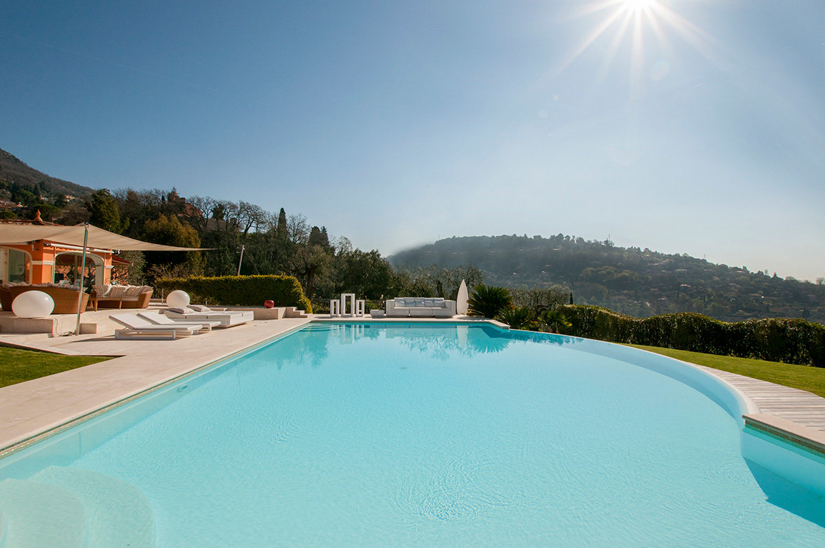 Superb modern 5 bedroomed villa for sale - Magagnosc