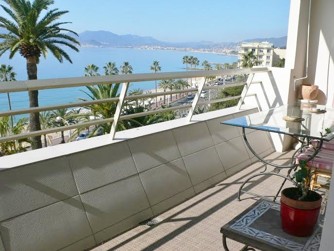 CANNES T2 VUE MER