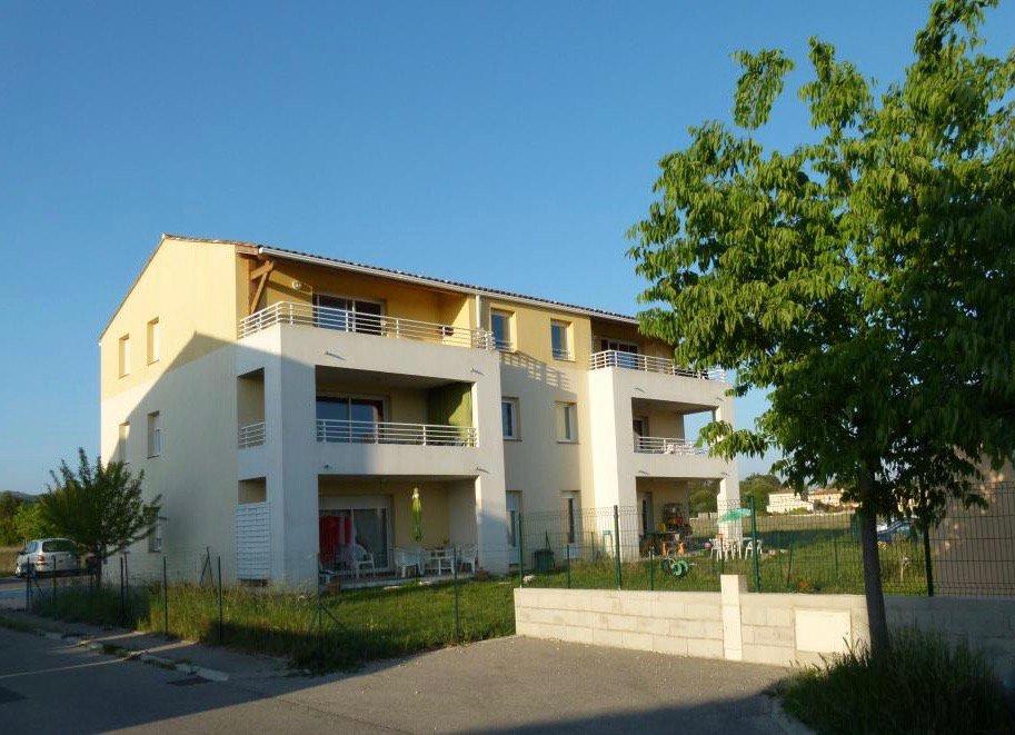 T3 avec terrasse et jolie vue 2 parkings