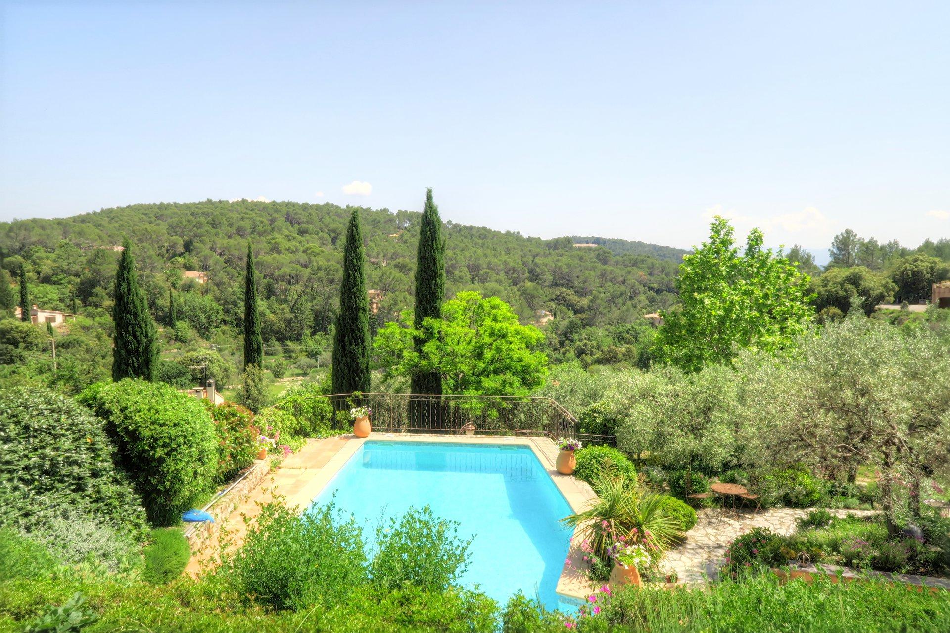 Panoramic views walking distance to Lorgues