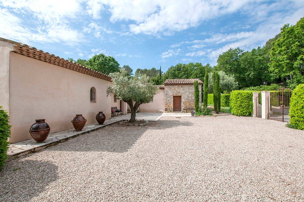 Joint Agent - Wonderful 3/4 bedroom family home - in a secure domain - for sale Valbonne